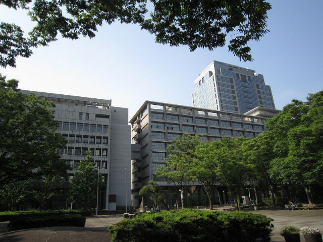 千葉県庁前
