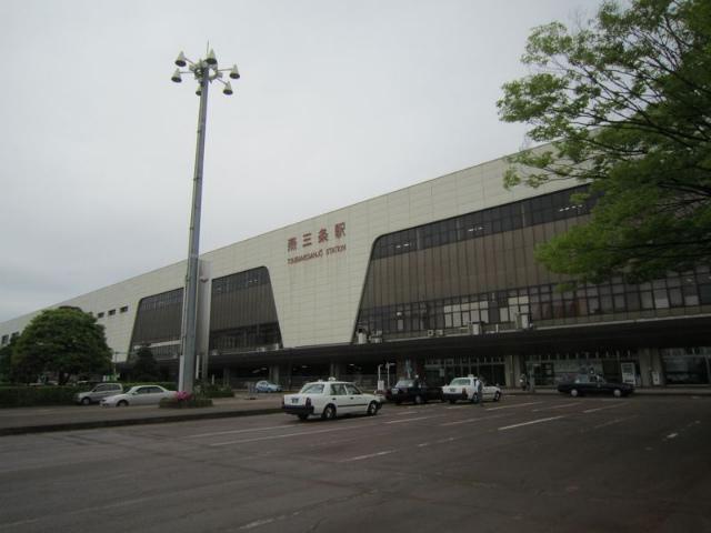 燕三条駅舎