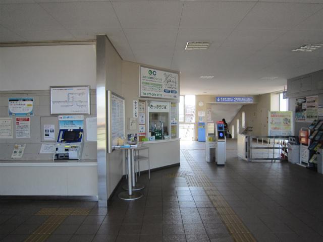 東金沢駅舎内部