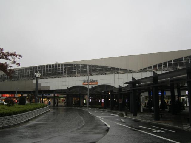 越谷東口駅舎