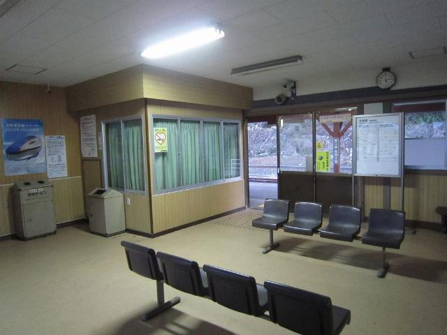 梶屋敷駅舎内部