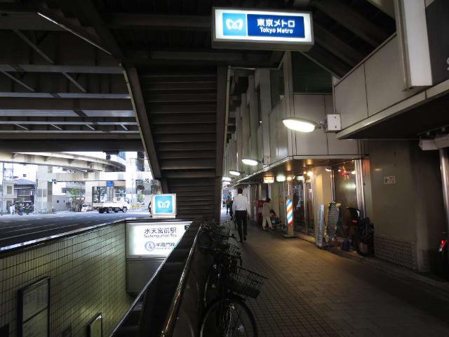 水天宮前 駅入口