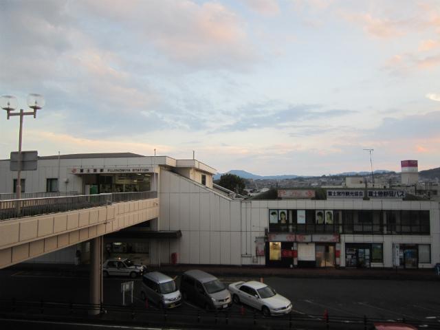 富士宮駅舎遠景
