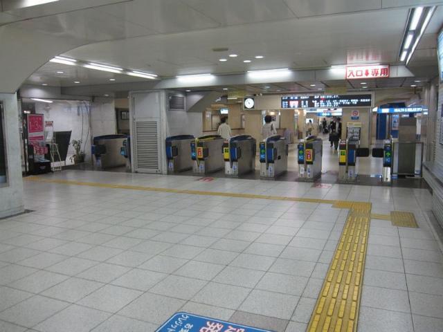 梅田(阪神)第3改札