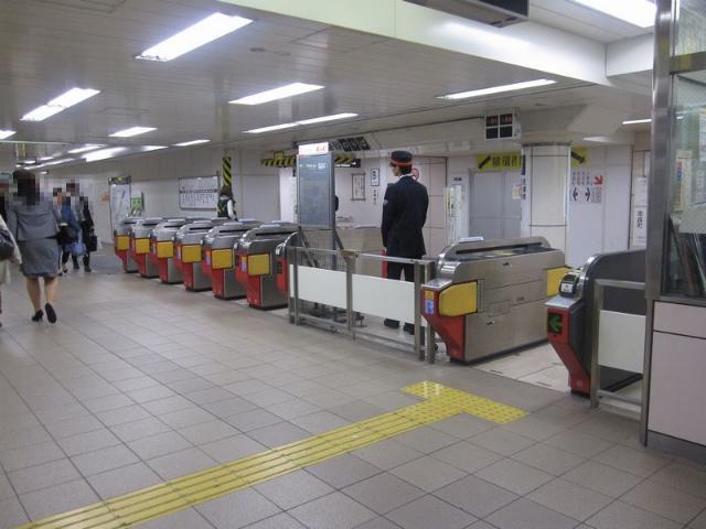 東梅田駅 中東