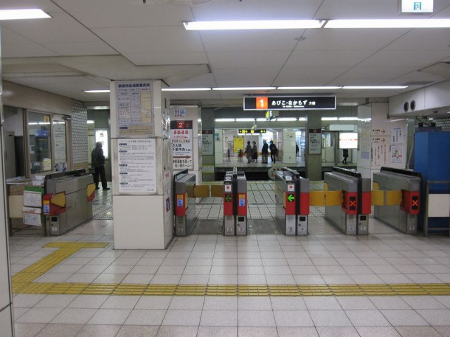 西田辺駅 東改札