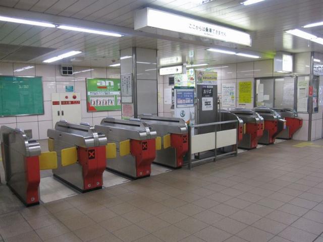 東梅田駅 北西