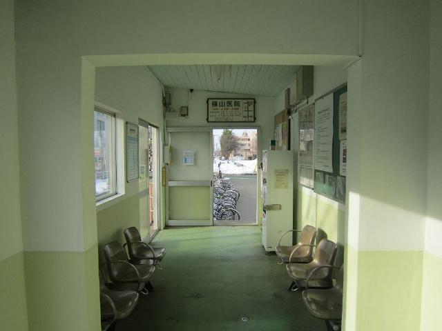 南高田駅舎内部
